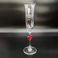 Sektglas mit roten Herzen mit Gravur