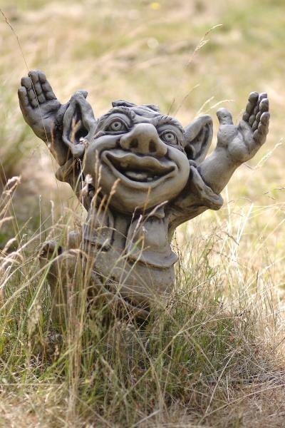 """Troll jubelnd """"GALAHAD"""""""